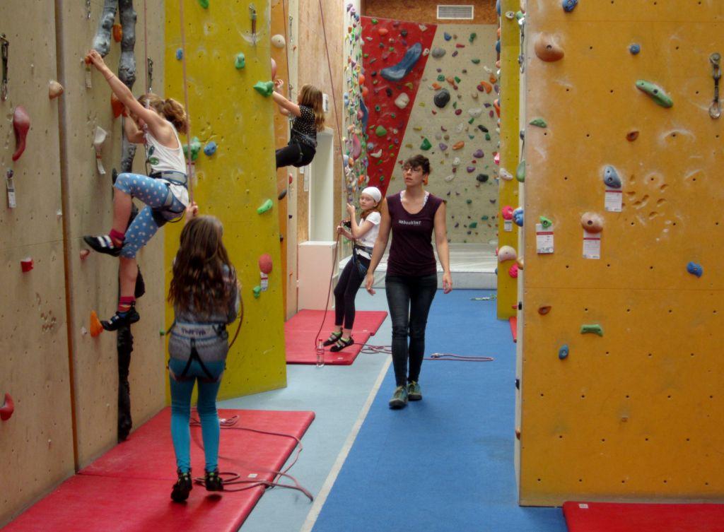 Kletterhalle Marswiese Kinderkurs 6 (c) STADTBEKANNT
