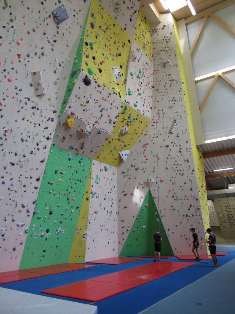 Kletterhalle Marswiese Vorstiegswand neu (c) STADTBEKANNT