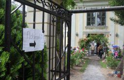 Flohmarkt Eingang STBKNT 8 (c) Knopf Kino