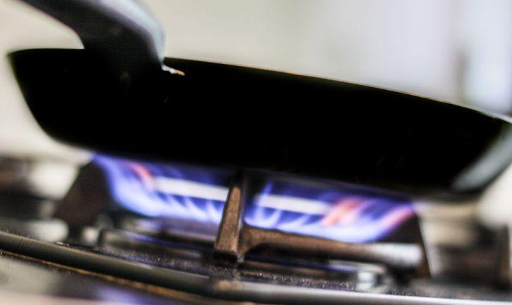 Pfanne Feuer Gasherd (c) STADTBEKANNT