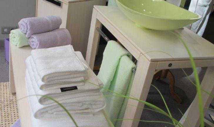 Waschtisch (c) Die Klomfar