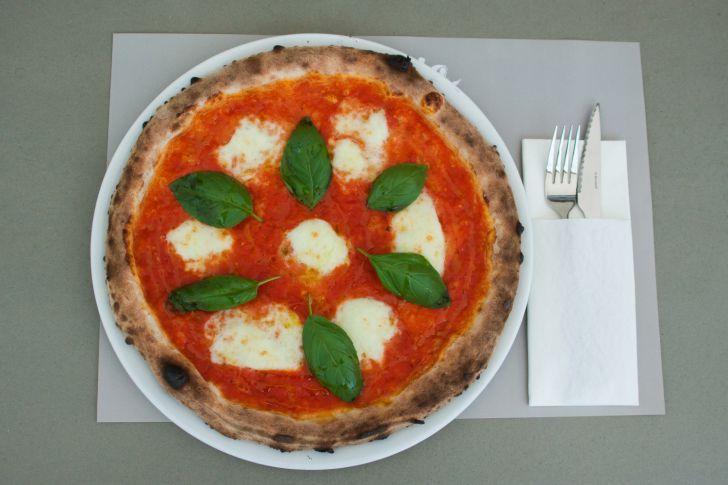 La Mia Pizza Mozzarella di Bufala (c) STADTBEKANNT