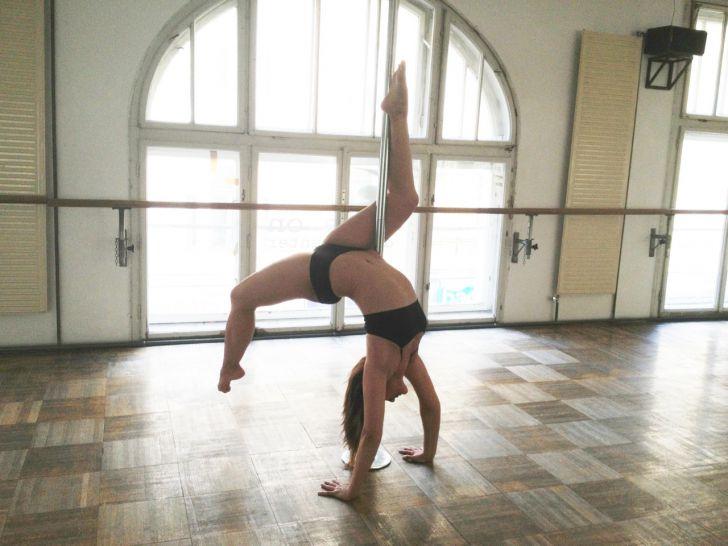 scorpdesc (c) Polecious Pole Dance Studio