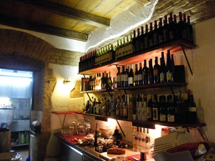 Bar (c) Vinoteca Tropea