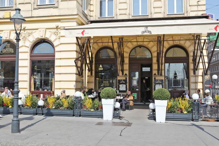 Cafe Schwarzenberg Schanigarten (c) GMS GOURMET GmbH