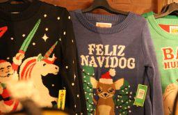 Christkindlmarkt Spittelberg Weihnachtspulli Pullover Feliz Navidog (c) STADTBEKANNT Hofinger