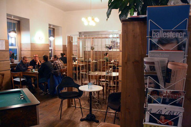 Gasthaus Automat Welt Lokal Billardtisch (c) STADTBEKANNT Nohl