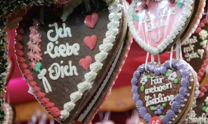 Rathaus Christkindlmarkt Lebkuchenherz Ich liebe Dich (c) STADTBEKANNT Hofinger