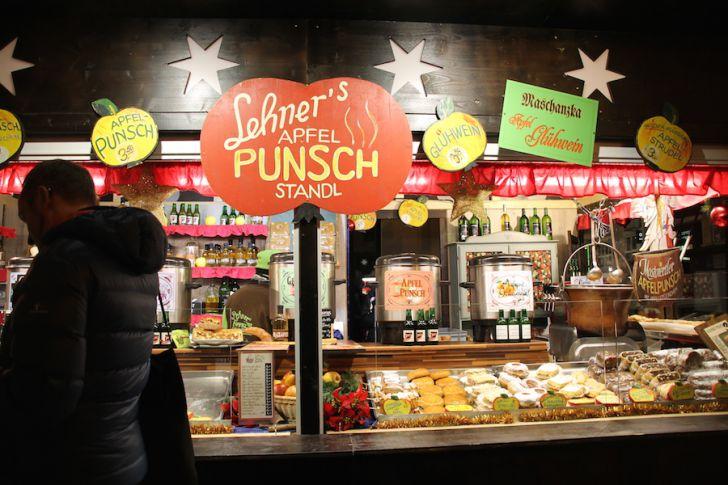 Weihnachtsmarkt Mariahilf Lehners Punsch Standl (c) STADTBEKANNT Hofinger