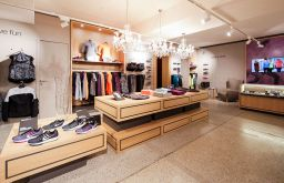 wmns running store Geschäft - Credits - Dominik Kiss (c) wmns running store