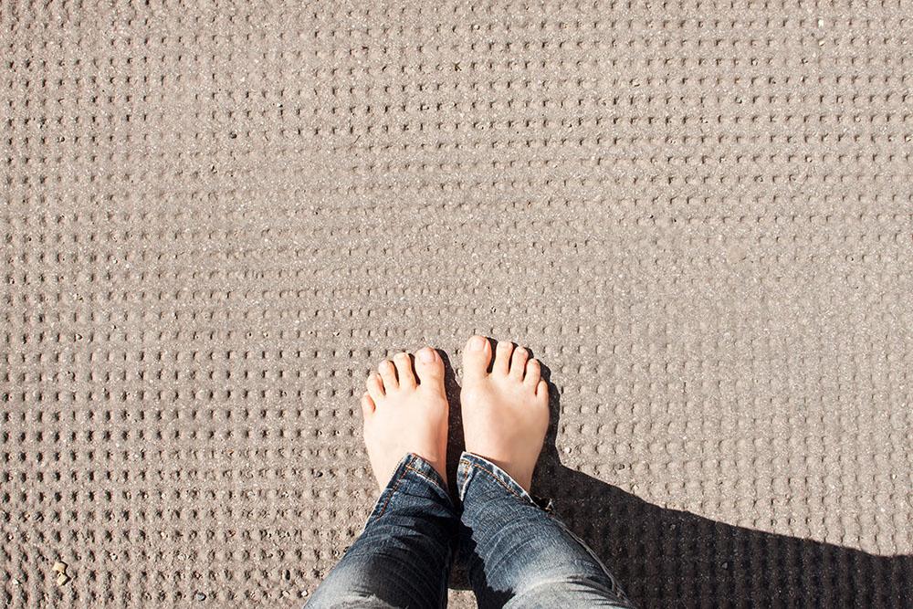 Füße Asphalt (c) STADTBEKANNT