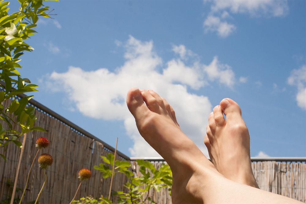 Füße in der Luft (c) STADTBEKANNT