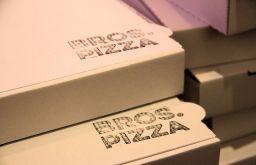 Bros Pizza Karton (c) STADTBEKANNT Wetter-Nohl