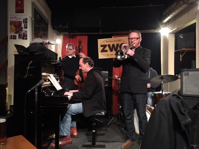 Jazzcafe Zwe Bühne (c) STADTBEKANNT Hofinger
