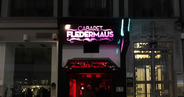 Cabaret Fledermaus Eingang (c) STADTBEKANNT