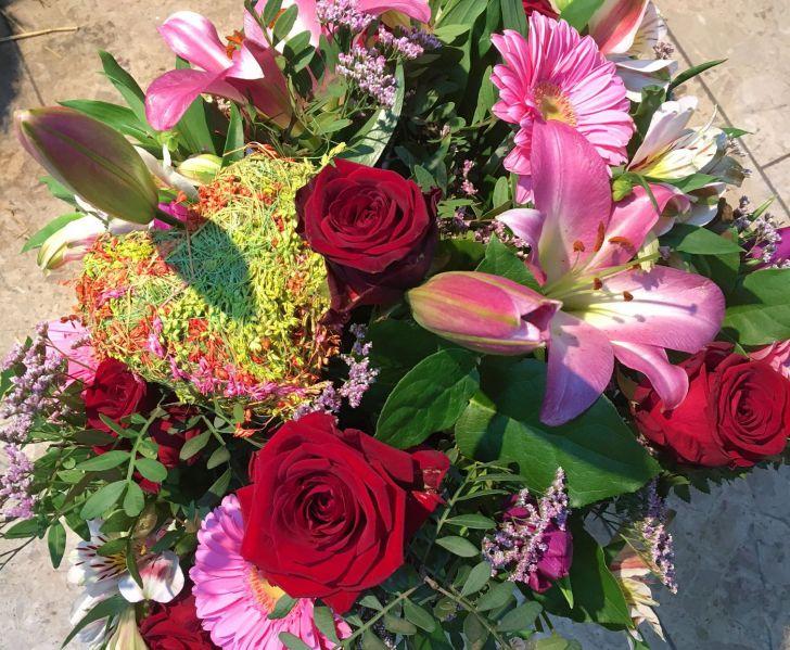 Blumenstrauß (c) Blumen Stadler