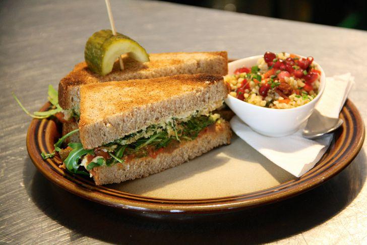 Pastrami Baby Sandwich (c) STADTBEKANNT Wetter-Nohl