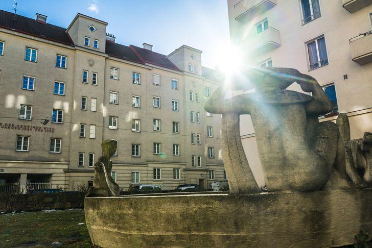 Skulptur Badende (c) STADTBEKANNT Zohmann