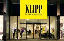 KLIPP Frisör c) KLIPP