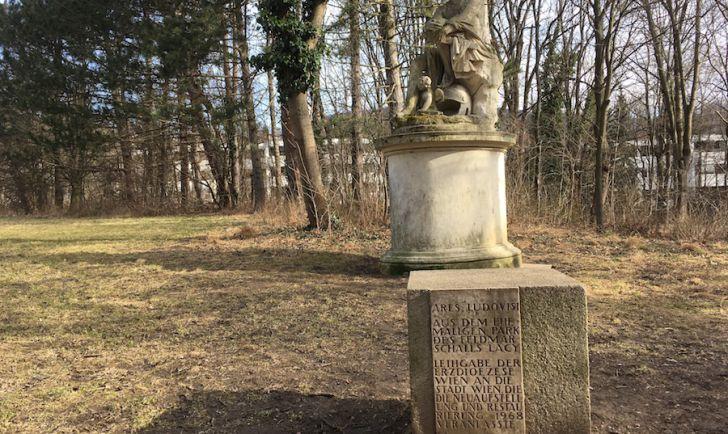 Laufstrecke 6 - Schwarzenbergallee Statue (c) STADTBEKANNT