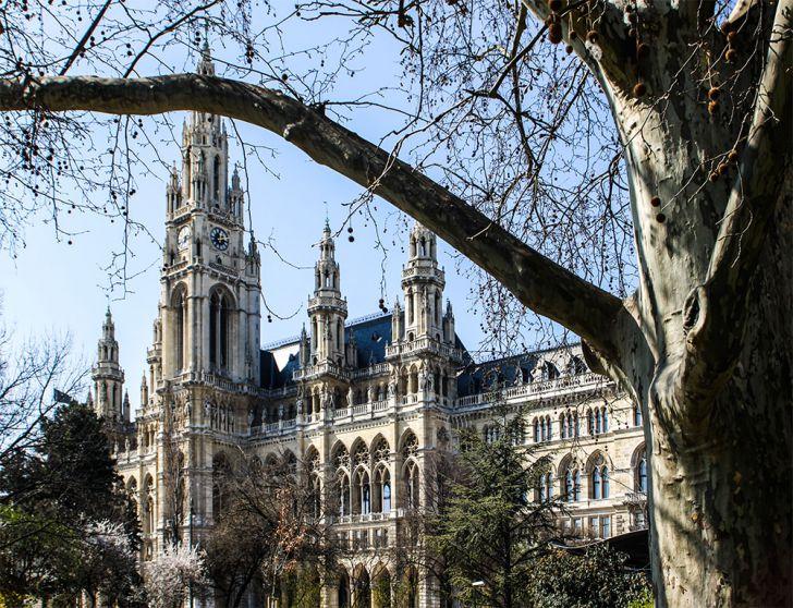 Rathauspark Rathaus (c) STADTBEKANNT