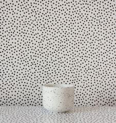 black dots (c) Knud & Henri