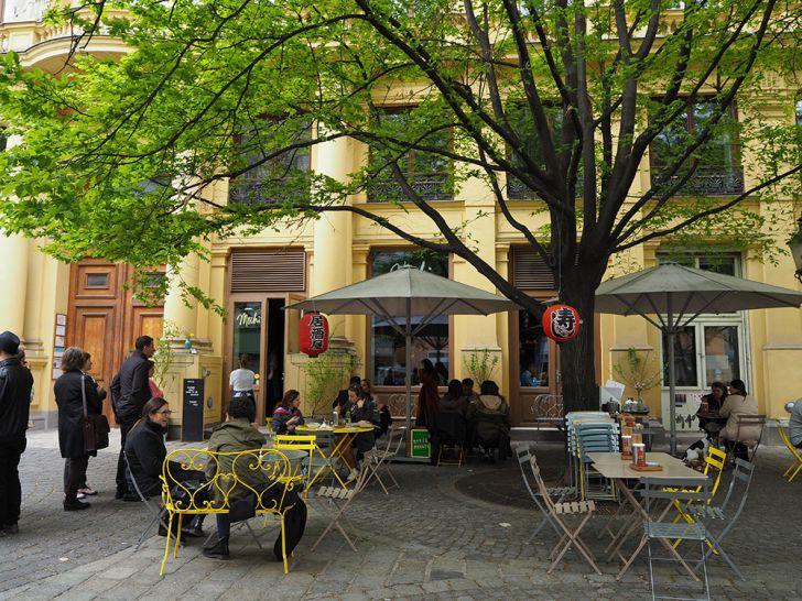 Mochi Lokal Schanigarten (c) STADTBEKANNT Pitzer
