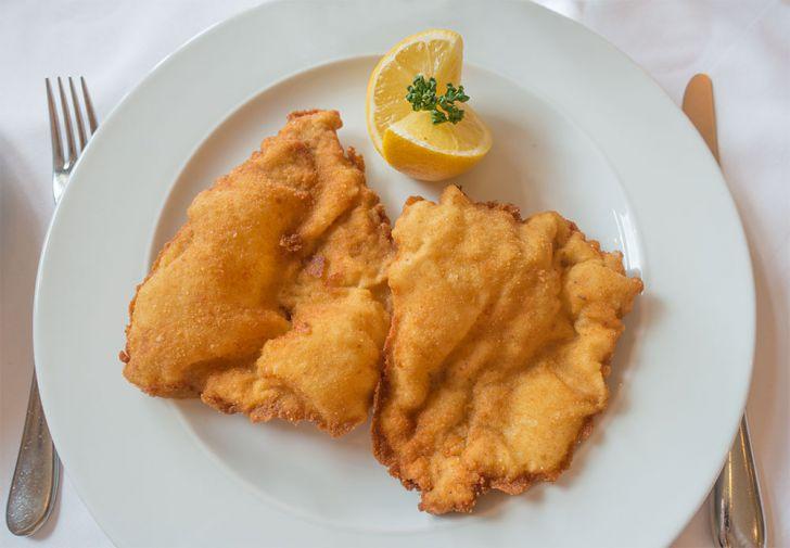 Schnitzel mit Zitrone (c) STADTBEKANNT