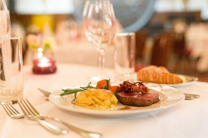 Dinner & Comedy Rathauskeller (c) Gourmet Group
