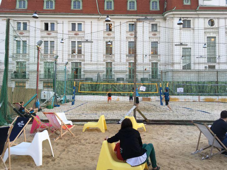 Volleyballplatz Sand in the City (c) STADTBEKANNT