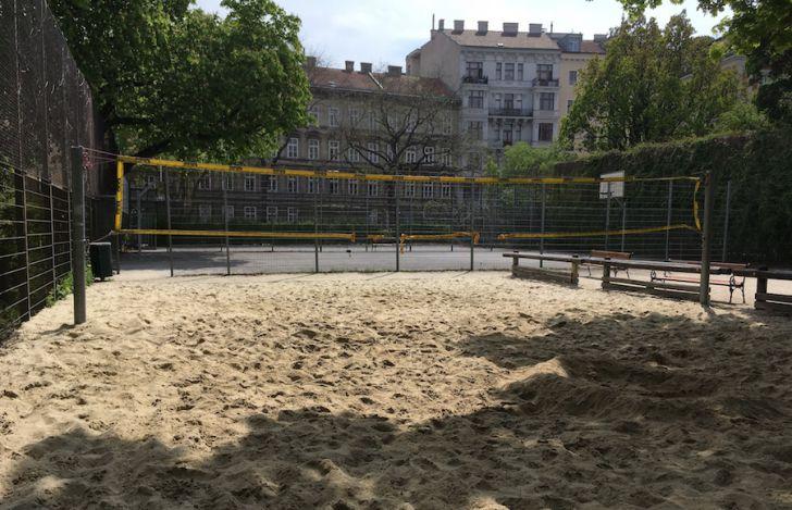 Volleyballplatz Schönbornpark (c) STADTBEKANNT