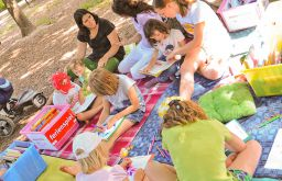 Lesen im Park (c) Joanna Pianka