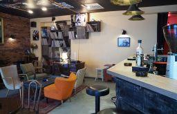 Needle Vinyl Bar Lokal (c) STADTBEKANNT Pitzer