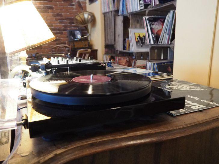Needle Vinyl Bar Plattenspieler Platte (c) STADTBEKANNT Pitzer