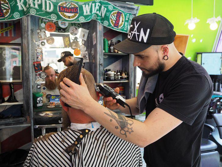 Nick´s Barbershop Haare (c) STADTBEKANNT Pitzer