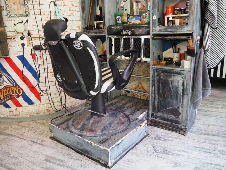 Nick´s Barbershop Sessel (c) STADTBEKANNT Pitzer