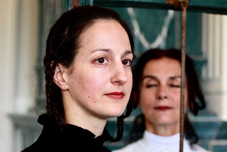 Am Ende eines Kleinen Dorfes - Doina Weber - Petra Gstrein (c) Christian Mair