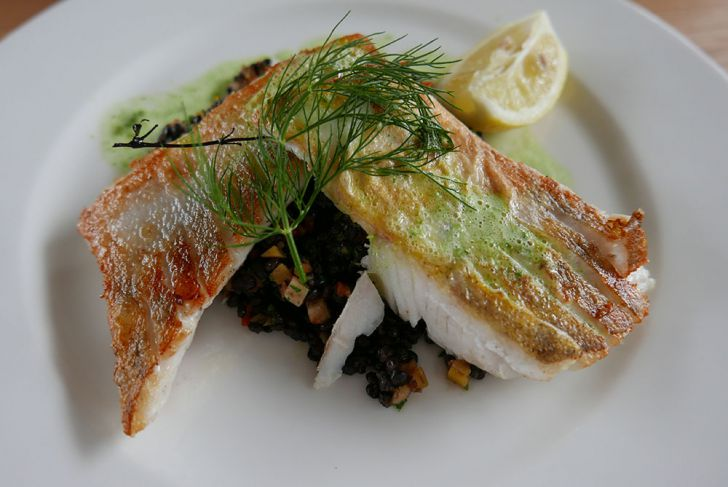 Strandcafé Fischgericht (c) STADTBEKANNT Wetter-Nohl