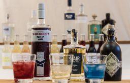 Gin Cocktails Ginsorten Flaschen Tumblr (c) STADTBEKANNT