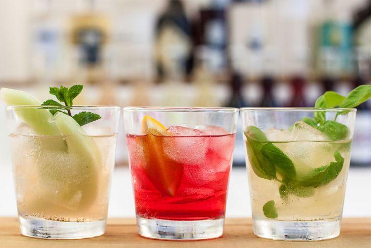 Gin Cocktails Melone Negroni Basilikum (c) STADTBEKANNT