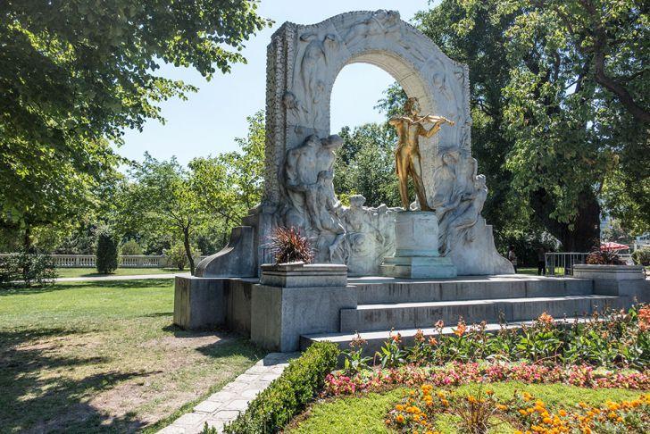 Stadtpark Statue Johann Strauss (c) STADTBEKANNT