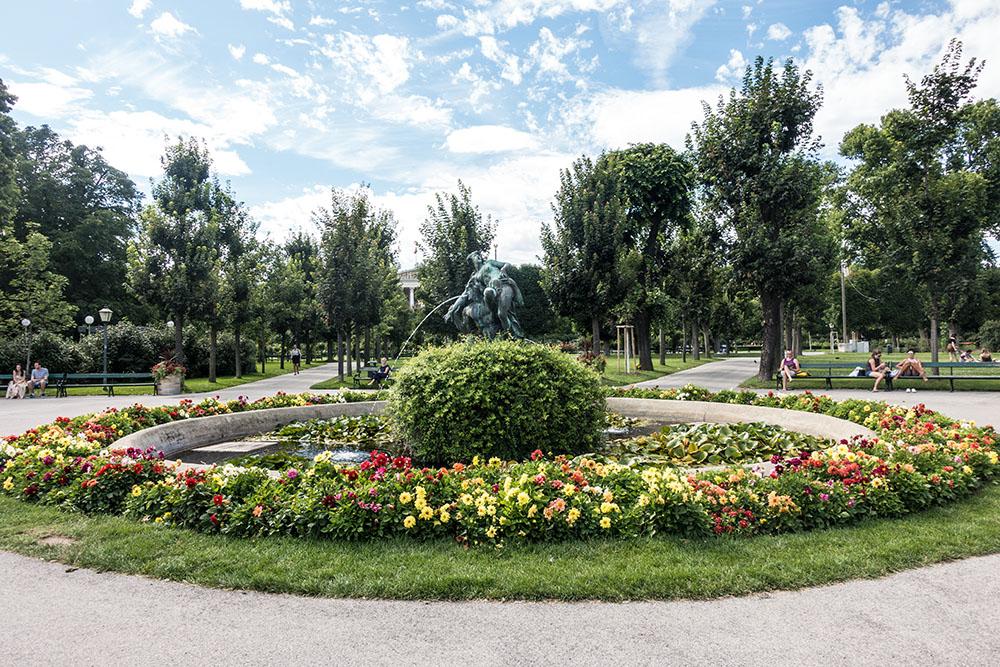 Volksgarten Brunnen (c) STADTBEKANNT