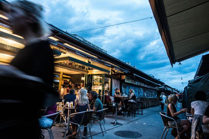 Naschmarkt Lokale Abend (c) STADTBEKANNT