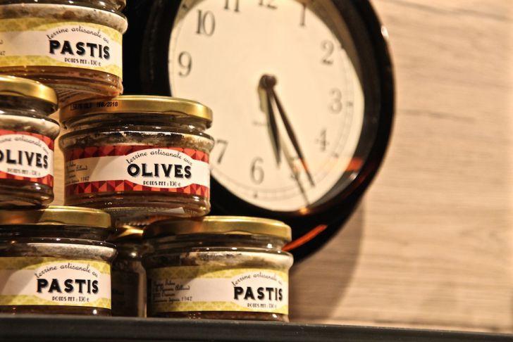 Brot Boutique Shop Oliven Uhr (c) STADTBEKANNT