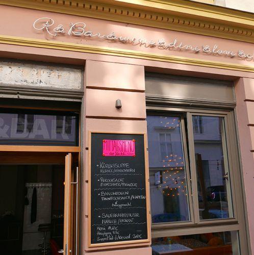 Die R&Bar Eingang (c) STADTBEKANNT Wetter-Nohl