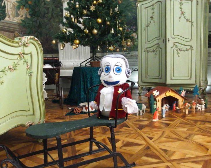 Handpuppenführung Weihnachten Poldi am Schlitten (c) SKB