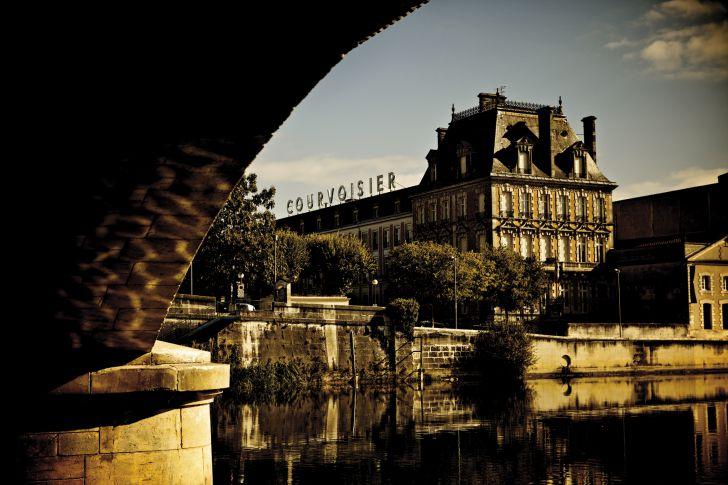 Courvoisier Chateau (c) Beam Suntory