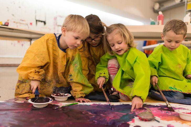 Kinder malen im mumok (c) mumok Christoph Spanger