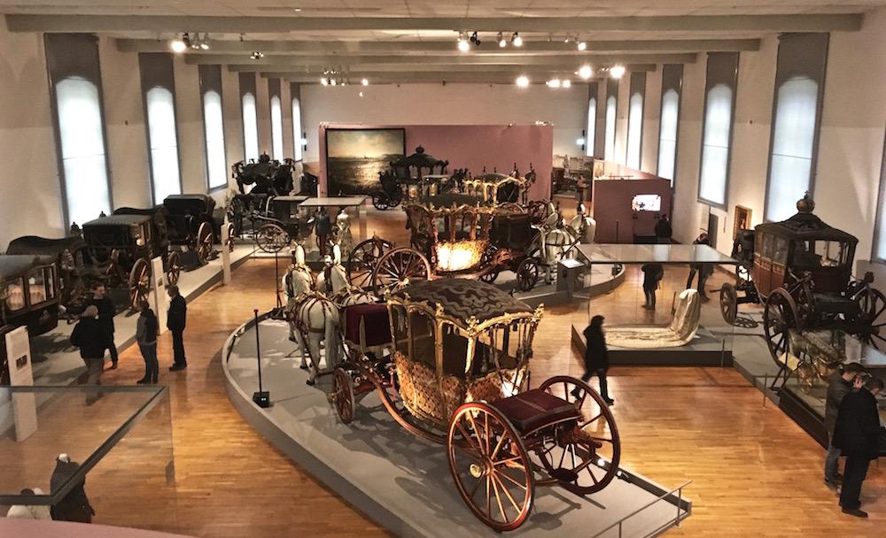 Kaiserliche Wagenburg Ausstellungsraum (c) STADTBEKANNT
