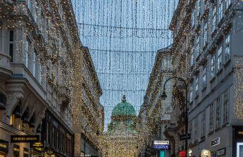 Weihnachtsbeleuchtung Kohlmarkt Wien (c) STADTBEKANNT